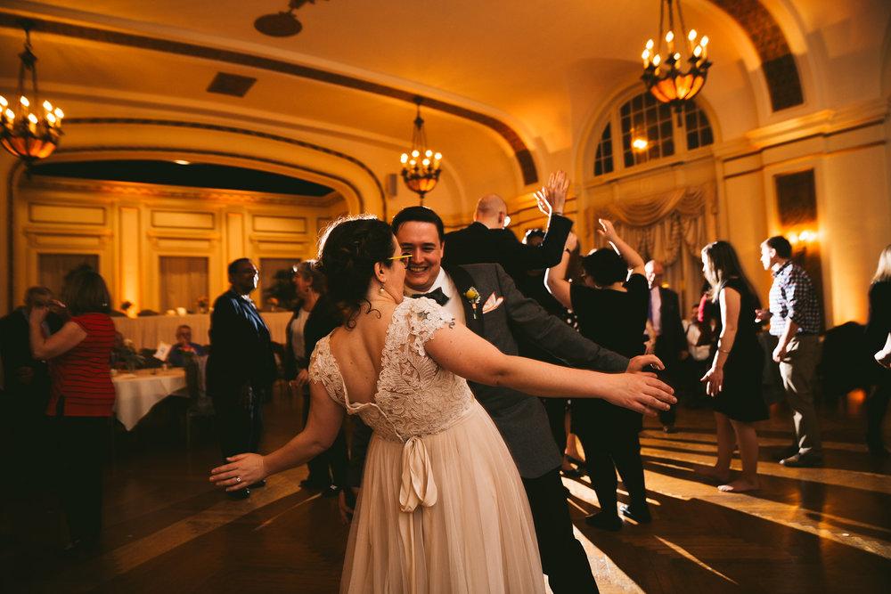 akron-ohio-wedding-photographers-greystone-hall-127.jpg