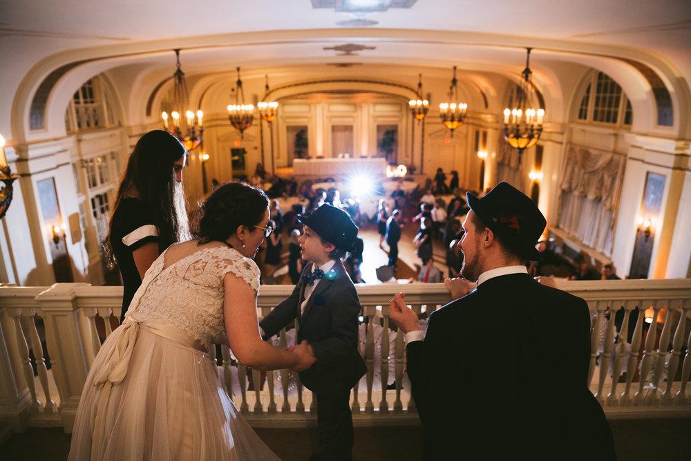 akron-ohio-wedding-photographers-greystone-hall-128.jpg