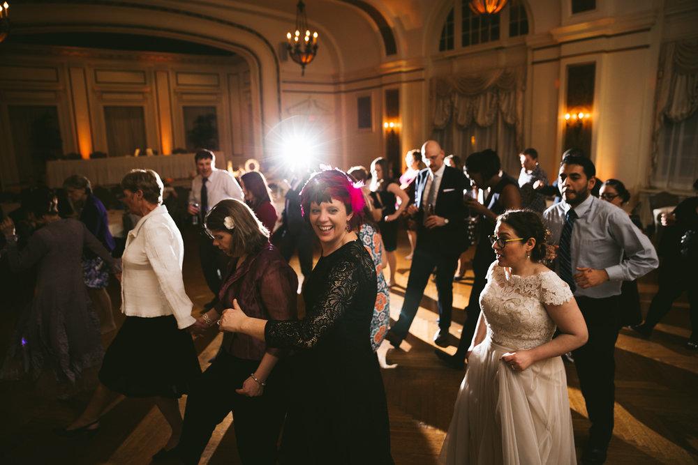 akron-ohio-wedding-photographers-greystone-hall-129.jpg
