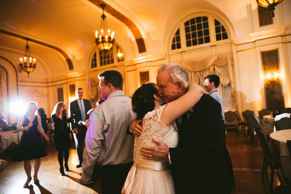akron-ohio-wedding-photographers-greystone-hall-131.jpg