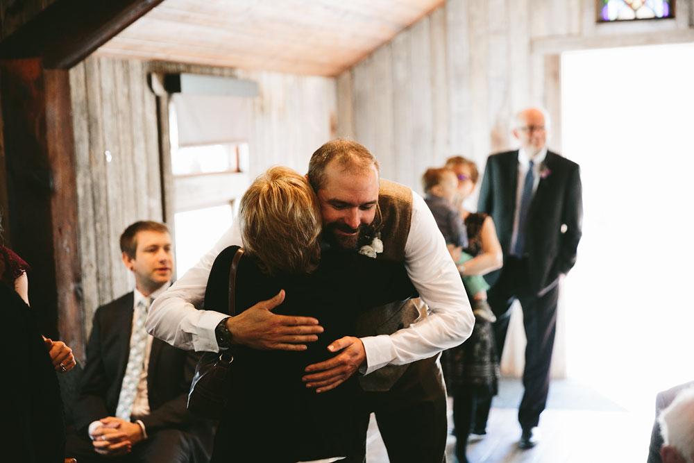 cleveland-wedding-photographer-hines-hill-conference-center-cuyahoga-valley-national-park-barn-vintage-14.jpg