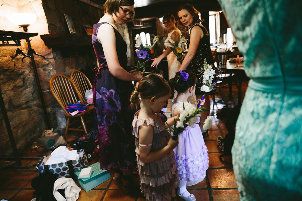cleveland-wedding-photographer-hines-hill-conference-center-cuyahoga-valley-national-park-barn-vintage-15.jpg