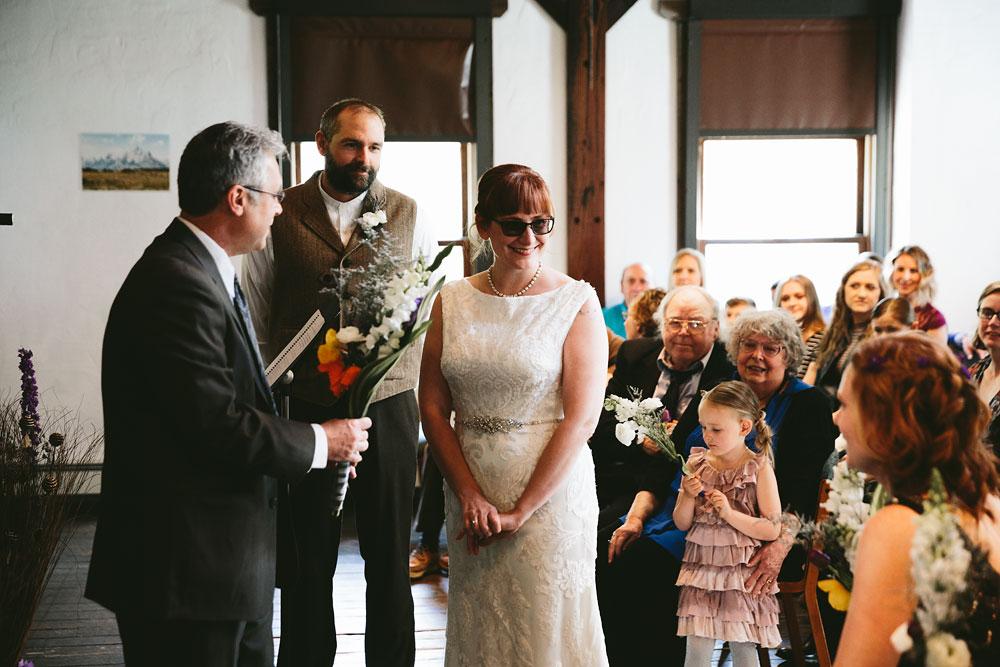 cleveland-wedding-photographer-hines-hill-conference-center-cuyahoga-valley-national-park-barn-vintage-20.jpg