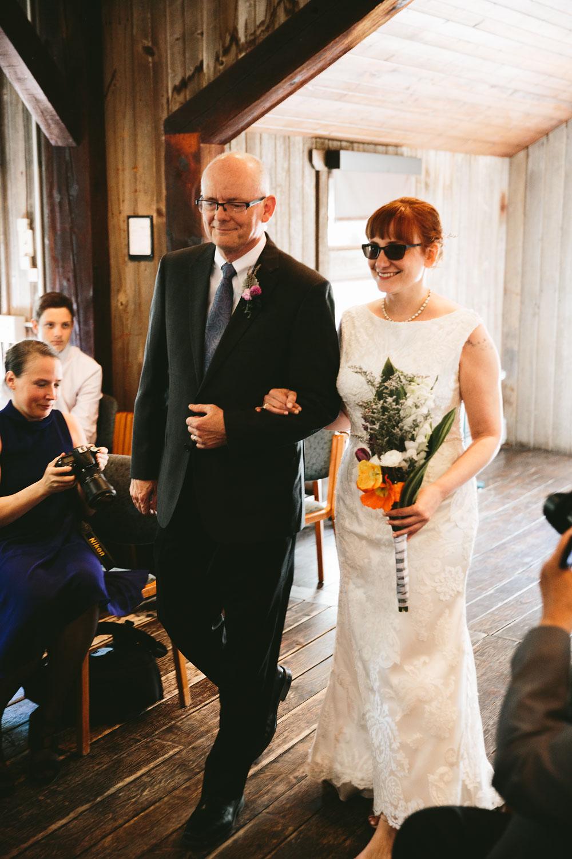 cleveland-wedding-photographer-hines-hill-conference-center-cuyahoga-valley-national-park-barn-vintage-19.jpg