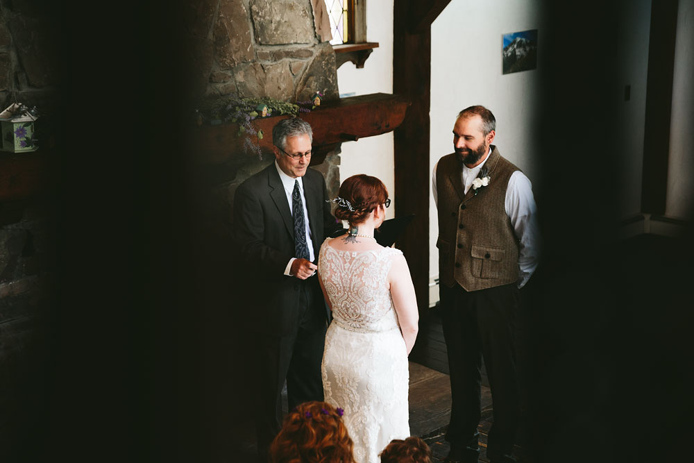 cleveland-wedding-photographer-hines-hill-conference-center-cuyahoga-valley-national-park-barn-vintage-21.jpg
