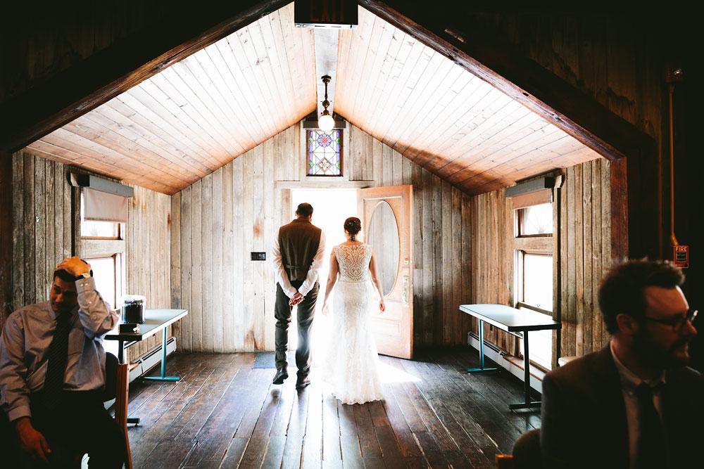 cleveland-wedding-photographer-hines-hill-conference-center-cuyahoga-valley-national-park-barn-vintage-26.jpg