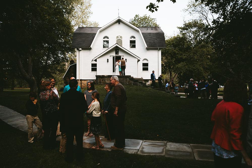 cleveland-wedding-photographer-hines-hill-conference-center-cuyahoga-valley-national-park-barn-vintage-27.jpg