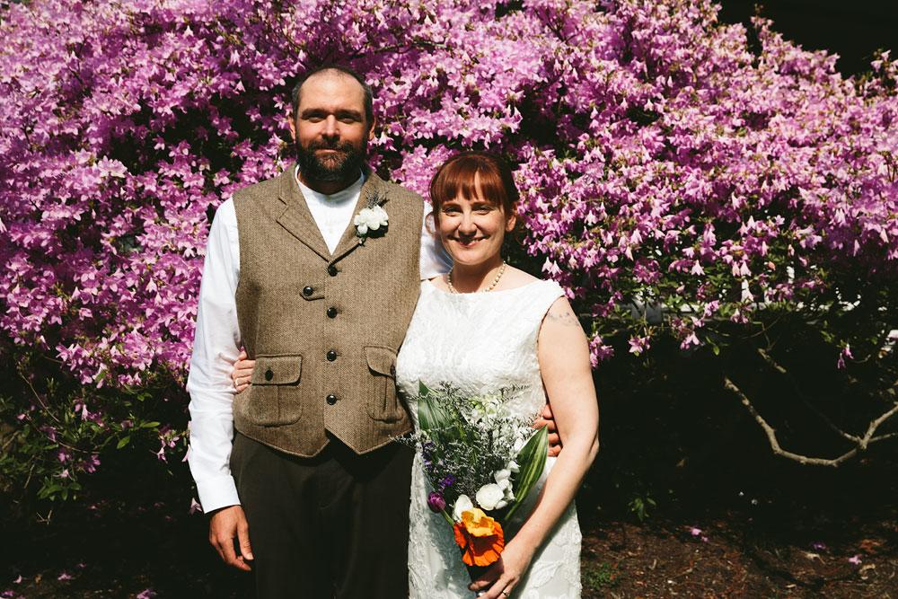 cleveland-wedding-photographer-hines-hill-conference-center-cuyahoga-valley-national-park-barn-vintage-28.jpg
