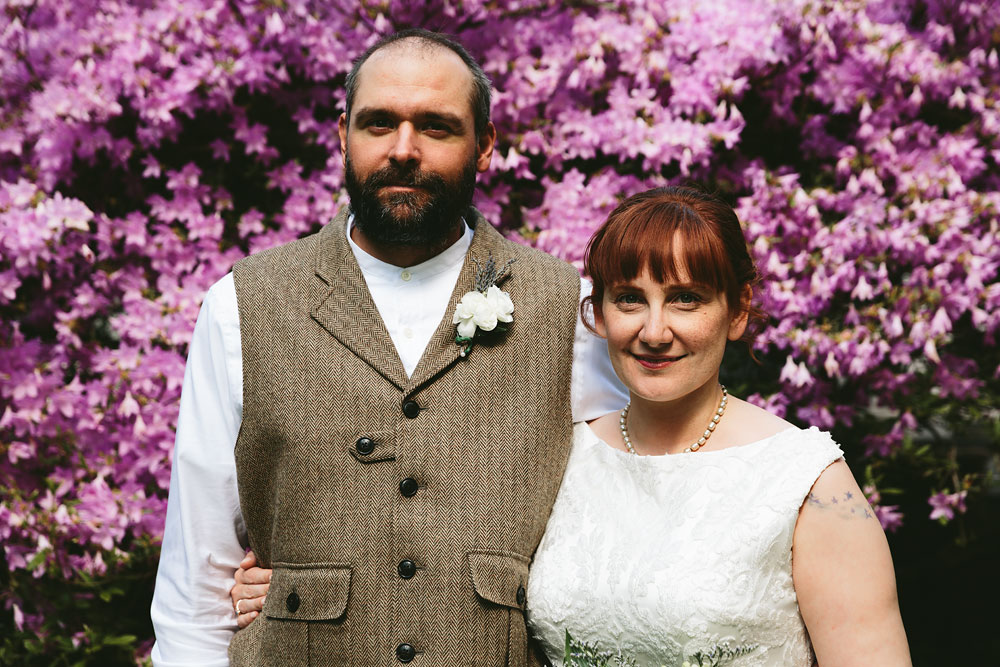 cleveland-wedding-photographer-hines-hill-conference-center-cuyahoga-valley-national-park-barn-vintage-29.jpg