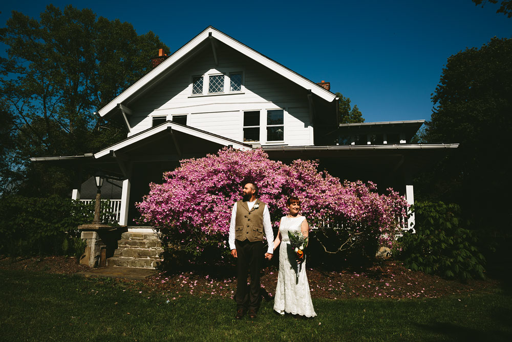 cleveland-wedding-photographer-hines-hill-conference-center-cuyahoga-valley-national-park-barn-vintage-30.jpg