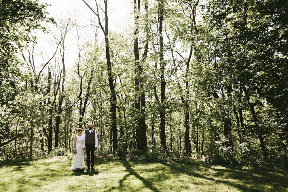 cleveland-wedding-photographer-hines-hill-conference-center-cuyahoga-valley-national-park-barn-vintage-31.jpg