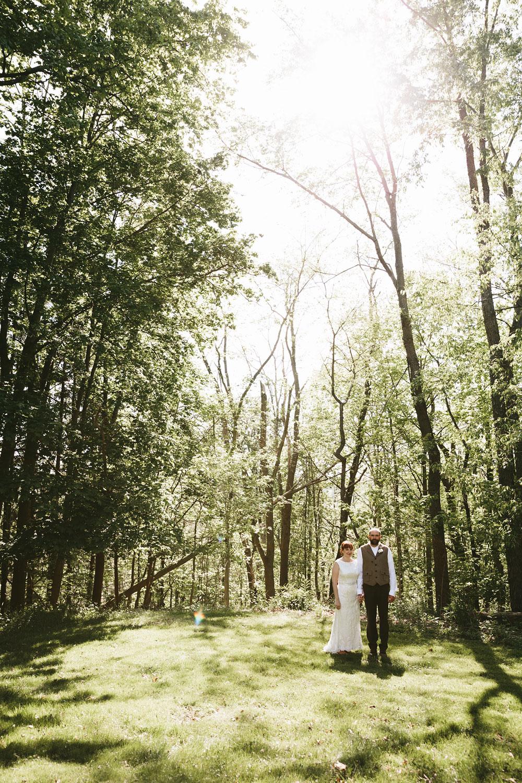 cleveland-wedding-photographer-hines-hill-conference-center-cuyahoga-valley-national-park-barn-vintage-32.jpg