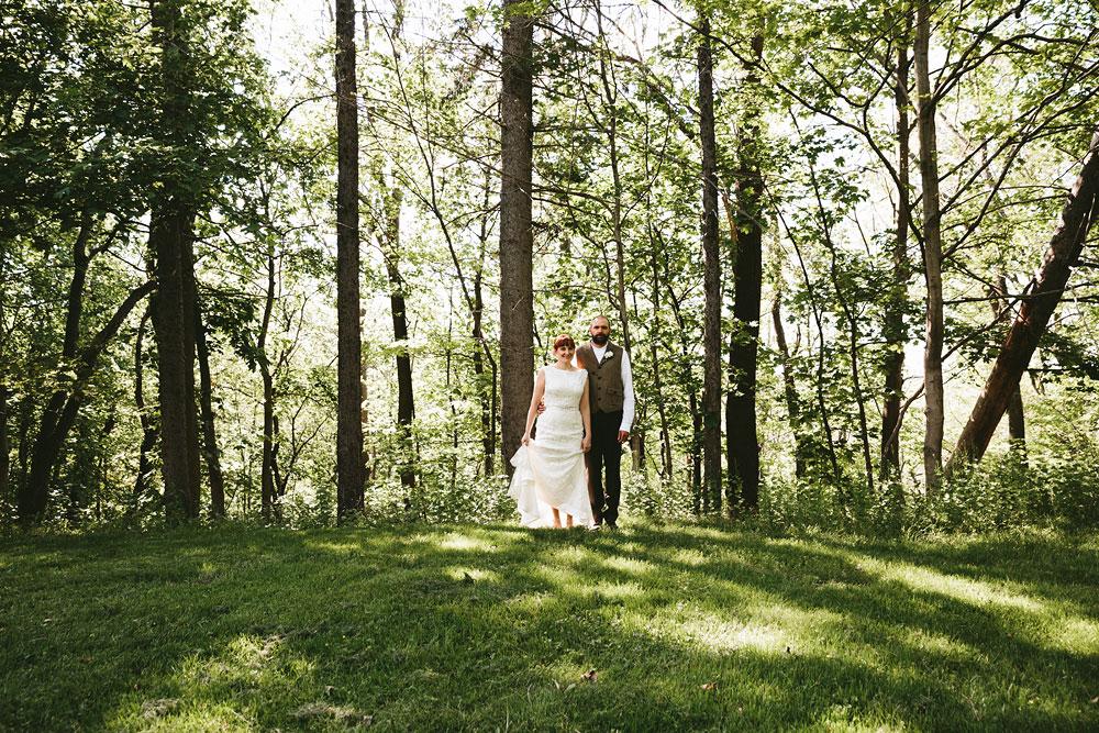 cleveland-wedding-photographer-hines-hill-conference-center-cuyahoga-valley-national-park-barn-vintage-38.jpg