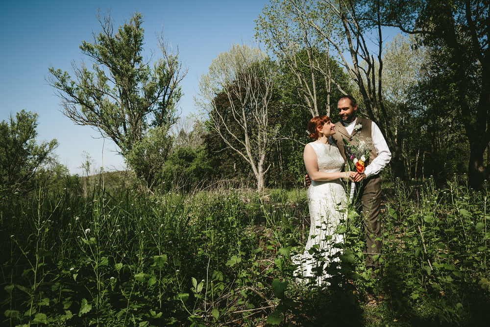 cleveland-wedding-photographer-hines-hill-conference-center-cuyahoga-valley-national-park-barn-vintage-39.jpg
