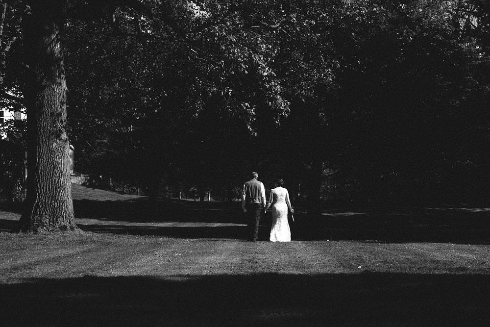 cleveland-wedding-photographer-hines-hill-conference-center-cuyahoga-valley-national-park-barn-vintage-41.jpg