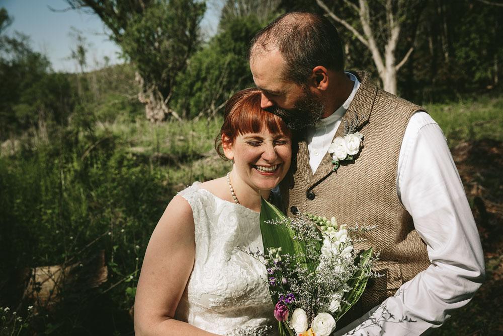 cleveland-wedding-photographer-hines-hill-conference-center-cuyahoga-valley-national-park-barn-vintage-40.jpg