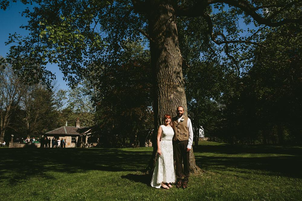 cleveland-wedding-photographer-hines-hill-conference-center-cuyahoga-valley-national-park-barn-vintage-43.jpg