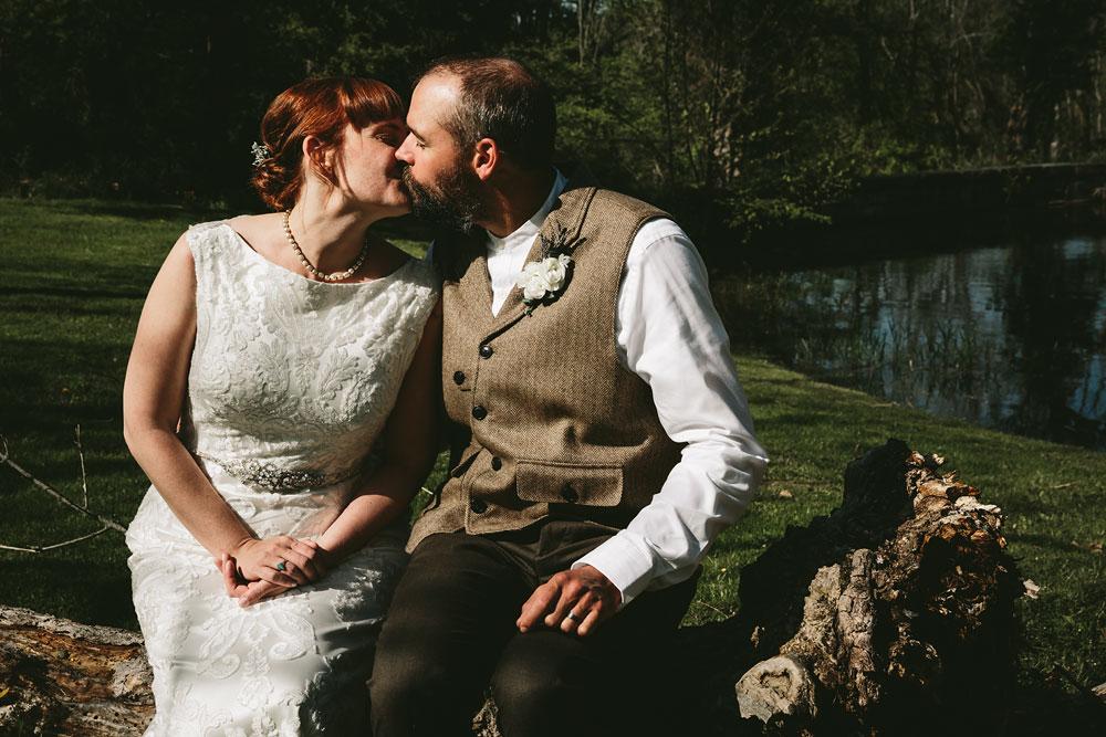 cleveland-wedding-photographer-hines-hill-conference-center-cuyahoga-valley-national-park-barn-vintage-45.jpg