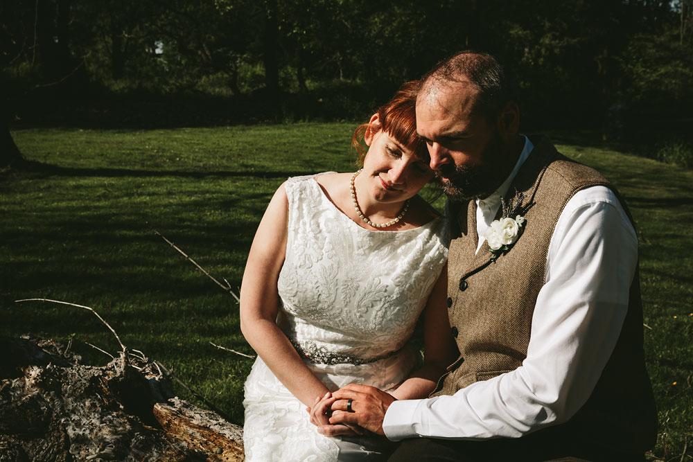 cleveland-wedding-photographer-hines-hill-conference-center-cuyahoga-valley-national-park-barn-vintage-48.jpg