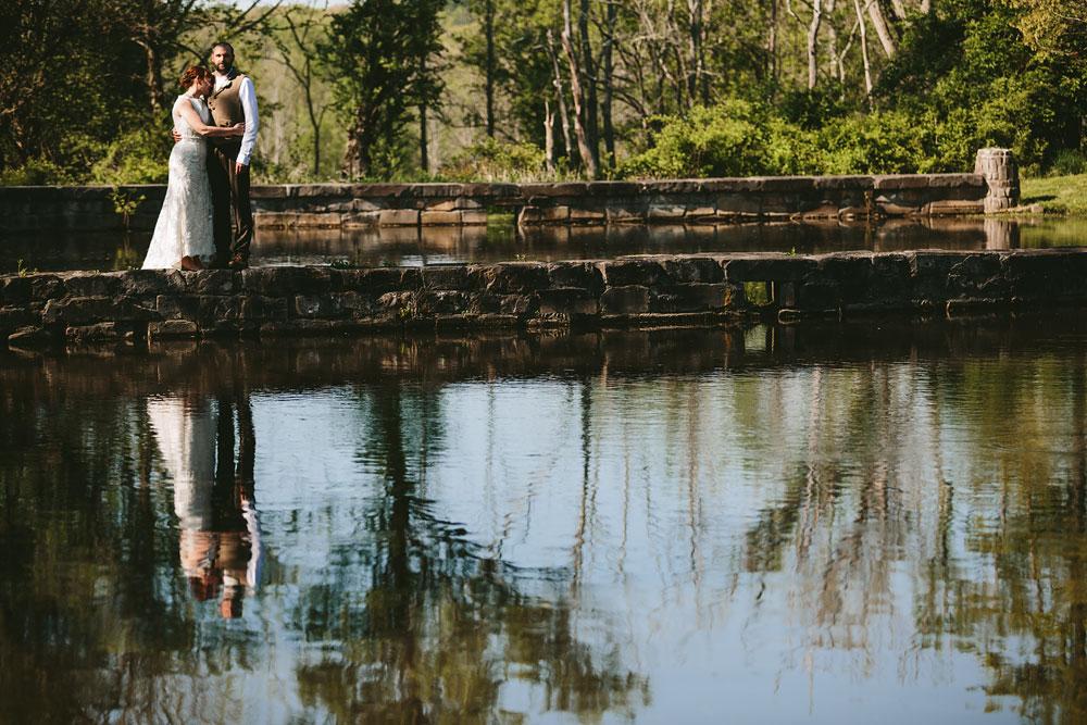 cleveland-wedding-photographer-hines-hill-conference-center-cuyahoga-valley-national-park-barn-vintage-49.jpg
