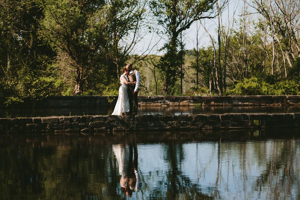 cleveland-wedding-photographer-hines-hill-conference-center-cuyahoga-valley-national-park-barn-vintage-51.jpg