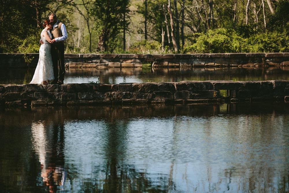 cleveland-wedding-photographer-hines-hill-conference-center-cuyahoga-valley-national-park-barn-vintage-53.jpg