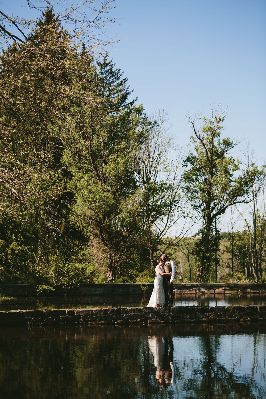 cleveland-wedding-photographer-hines-hill-conference-center-cuyahoga-valley-national-park-barn-vintage-52.jpg