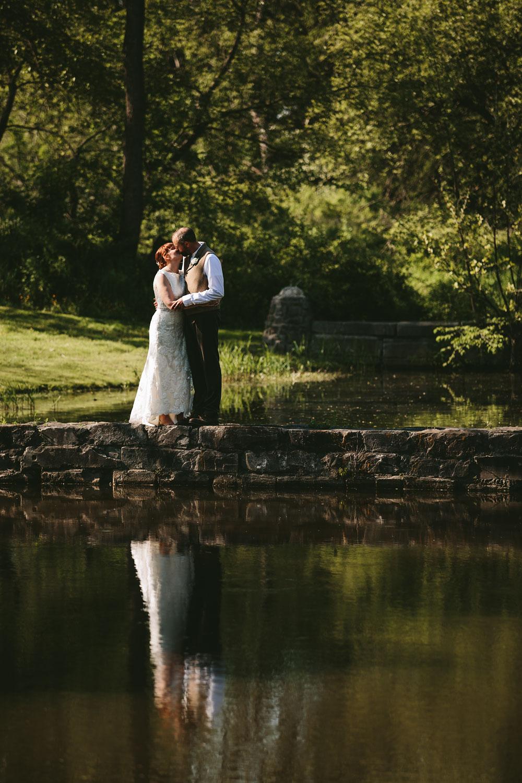 cleveland-wedding-photographer-hines-hill-conference-center-cuyahoga-valley-national-park-barn-vintage-54.jpg