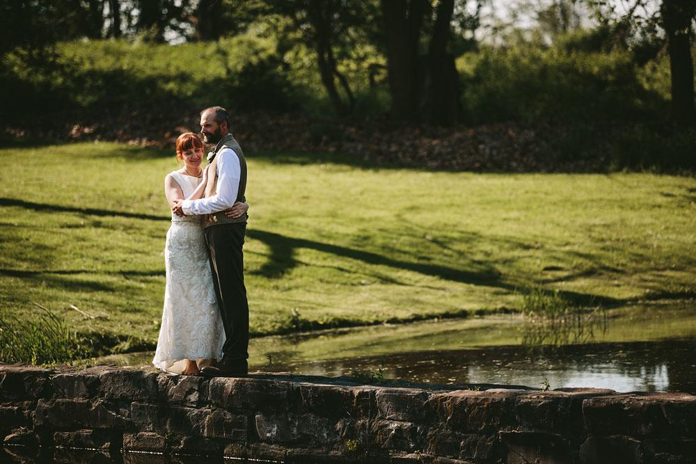 cleveland-wedding-photographer-hines-hill-conference-center-cuyahoga-valley-national-park-barn-vintage-55.jpg