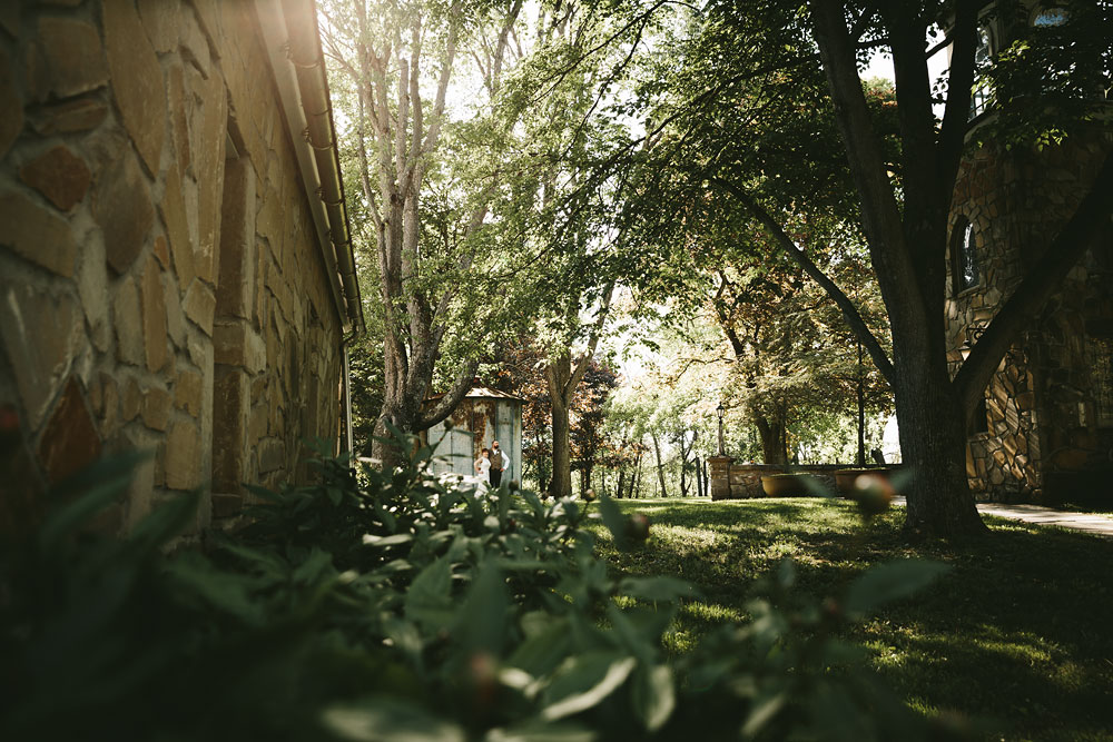 cleveland-wedding-photographer-hines-hill-conference-center-cuyahoga-valley-national-park-barn-vintage-56.jpg