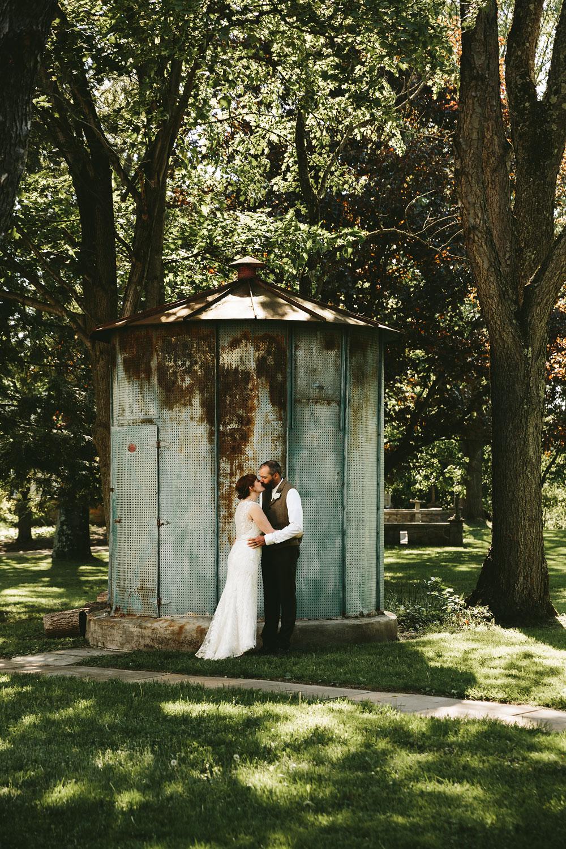 cleveland-wedding-photographer-hines-hill-conference-center-cuyahoga-valley-national-park-barn-vintage-59.jpg