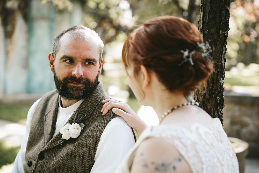 cleveland-wedding-photographer-hines-hill-conference-center-cuyahoga-valley-national-park-barn-vintage-61.jpg