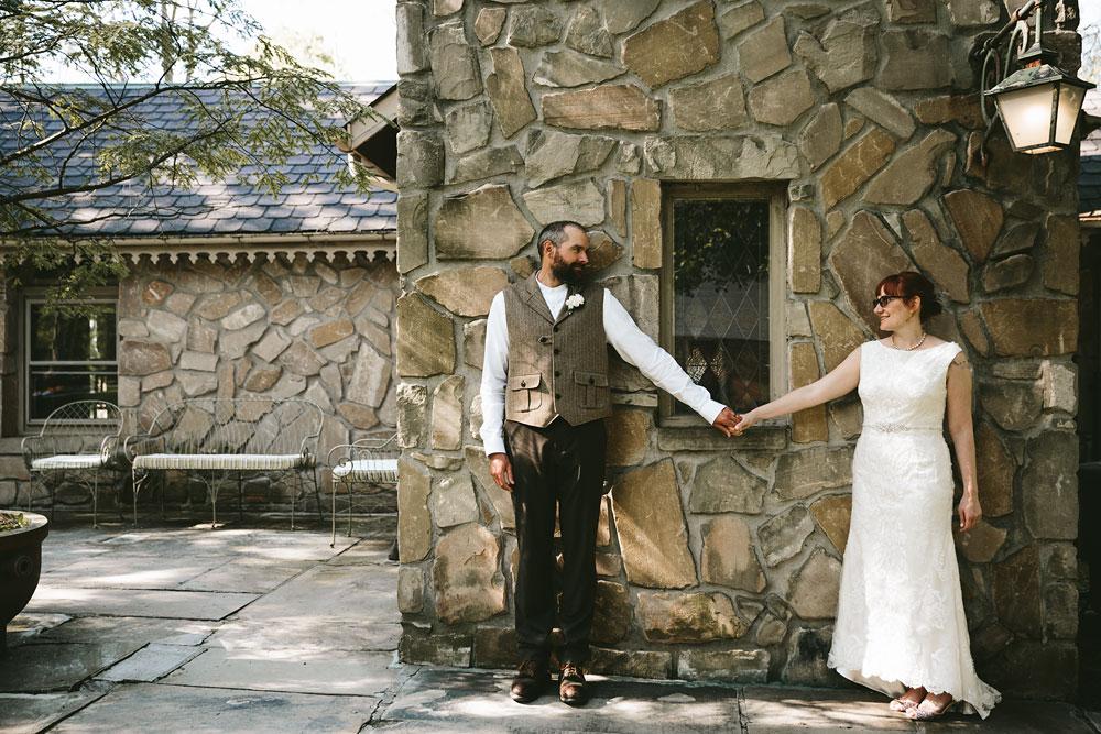 cleveland-wedding-photographer-hines-hill-conference-center-cuyahoga-valley-national-park-barn-vintage-63.jpg