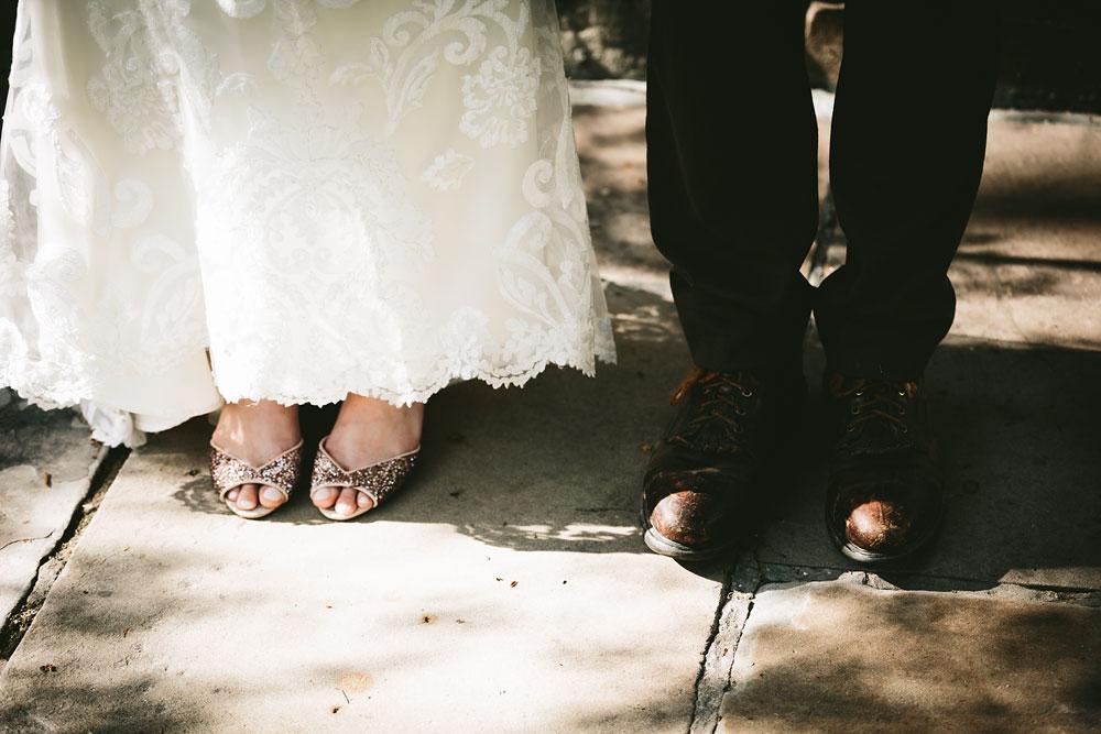 cleveland-wedding-photographer-hines-hill-conference-center-cuyahoga-valley-national-park-barn-vintage-64.jpg