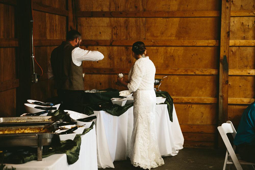 cleveland-wedding-photographer-hines-hill-conference-center-cuyahoga-valley-national-park-barn-vintage-93.jpg