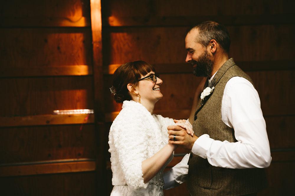 cleveland-wedding-photographer-hines-hill-conference-center-cuyahoga-valley-national-park-barn-vintage-99.jpg