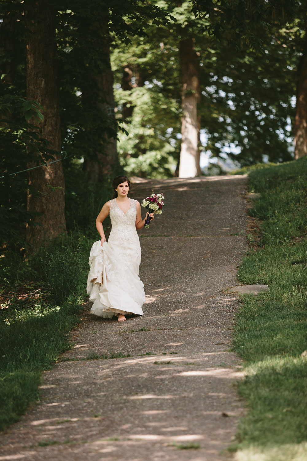 cleveland-wedding-photographer-pattersons-fruit-farm-vintage-outdoor-chesterland-ohio-31.jpg