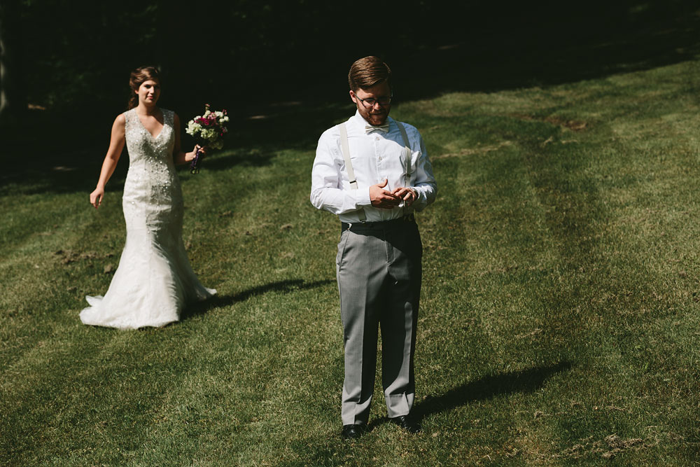 cleveland-wedding-photographer-pattersons-fruit-farm-vintage-outdoor-chesterland-ohio-32.jpg
