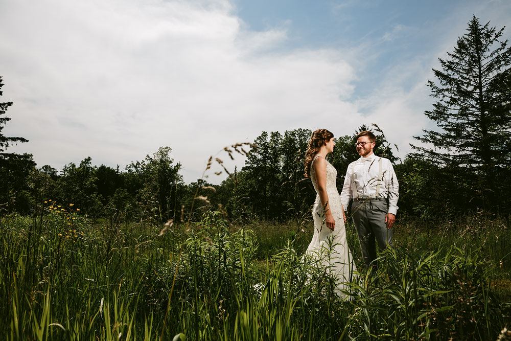 cleveland-wedding-photographer-pattersons-fruit-farm-vintage-outdoor-chesterland-ohio-49.jpg
