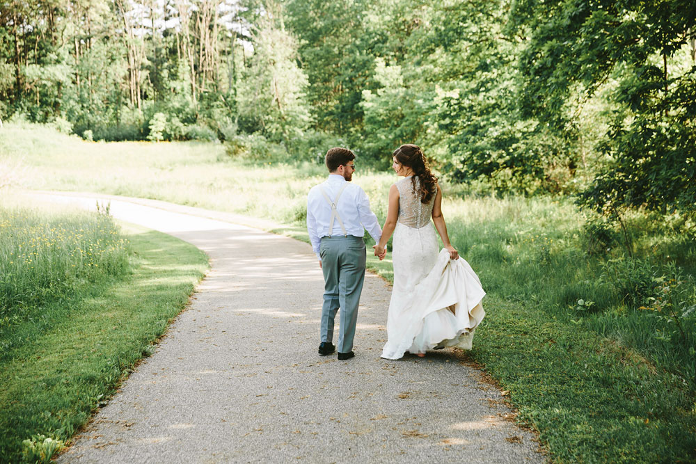 cleveland-wedding-photographer-pattersons-fruit-farm-vintage-outdoor-chesterland-ohio-61.jpg