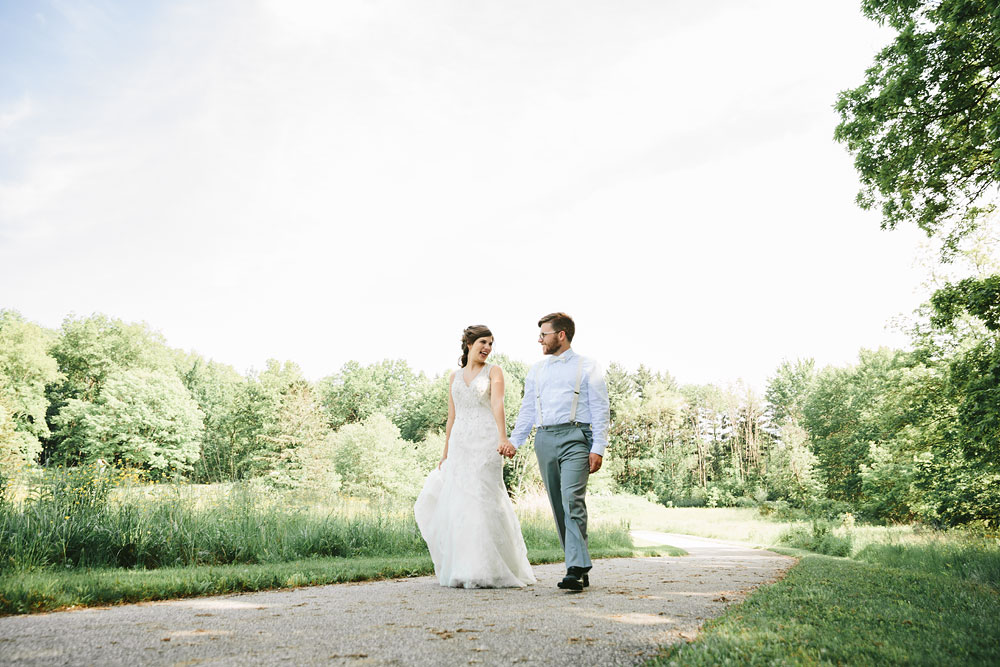 cleveland-wedding-photographer-pattersons-fruit-farm-vintage-outdoor-chesterland-ohio-62.jpg