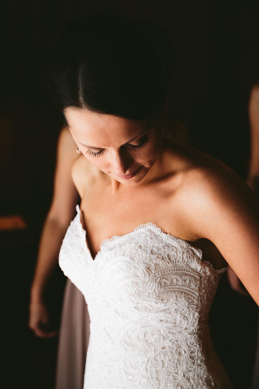 cleveland-wedding-photographers-patterson-fruit-farm-24.jpg