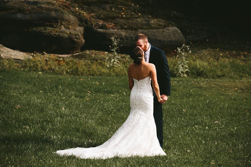 cleveland-wedding-photographers-patterson-fruit-farm-32.jpg