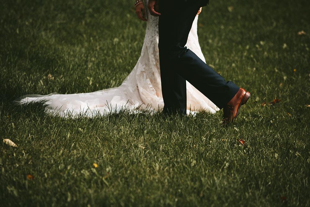 cleveland-wedding-photographers-patterson-fruit-farm-34.jpg