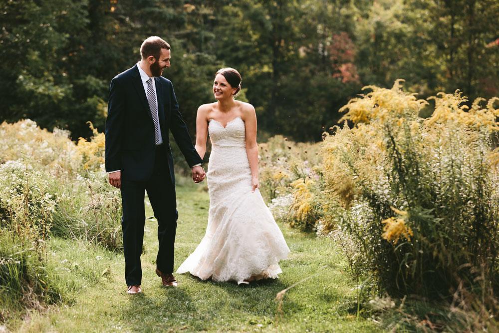 cleveland-wedding-photographers-patterson-fruit-farm-39.jpg