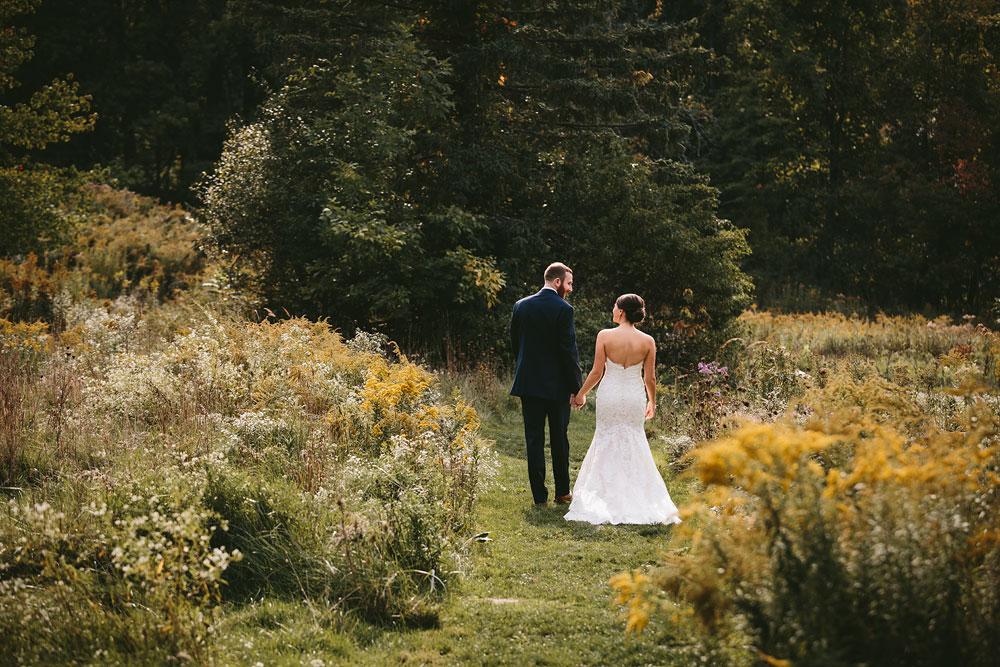 cleveland-wedding-photographers-patterson-fruit-farm-38.jpg