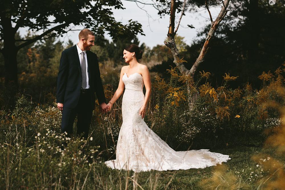 cleveland-wedding-photographers-patterson-fruit-farm-40.jpg