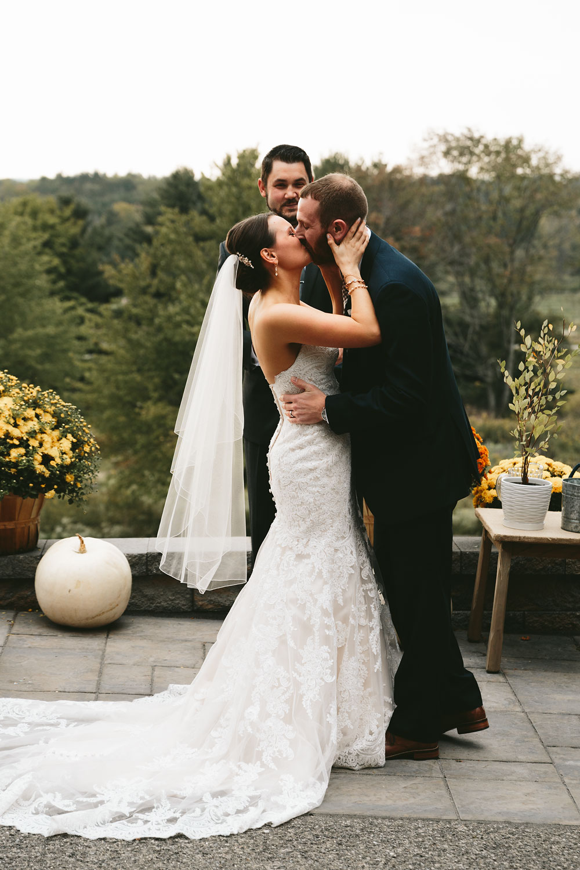 cleveland-wedding-photographers-patterson-fruit-farm-63.jpg