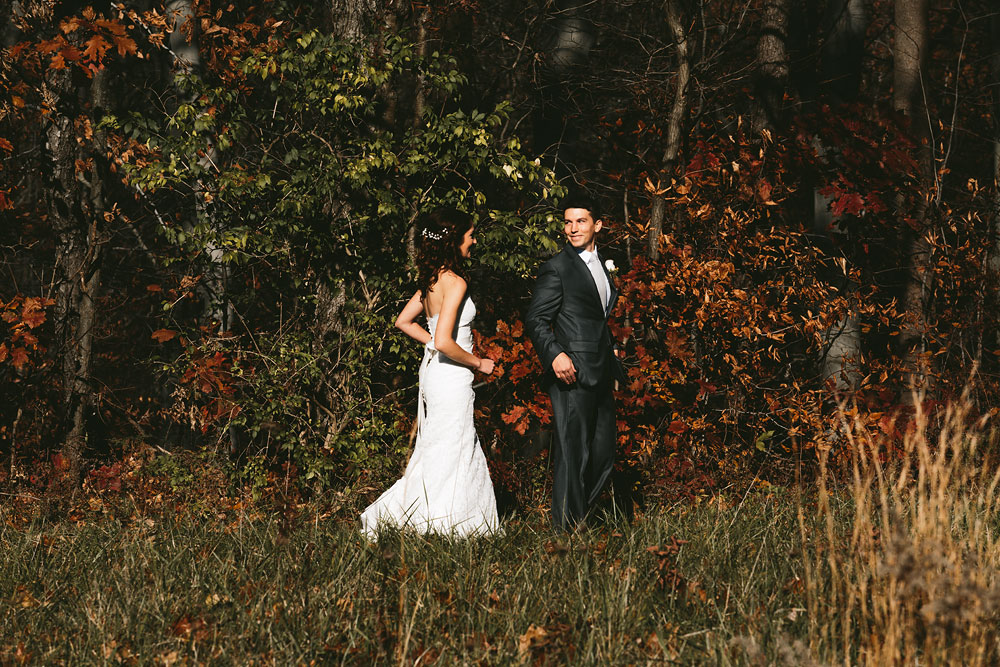 cleveland-wedding-photographers-cuyahoga-valley-national-park-happy-days-lodge-peninsula-ohio-24.jpg