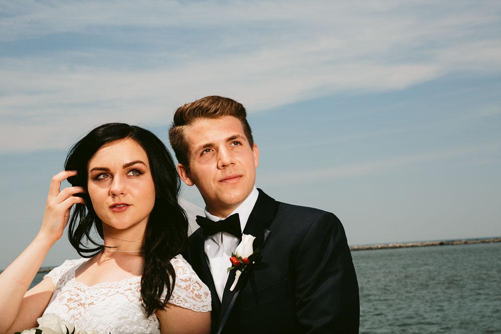 modern-cleveland-wedding-photographers-photojournalistic-3.jpg